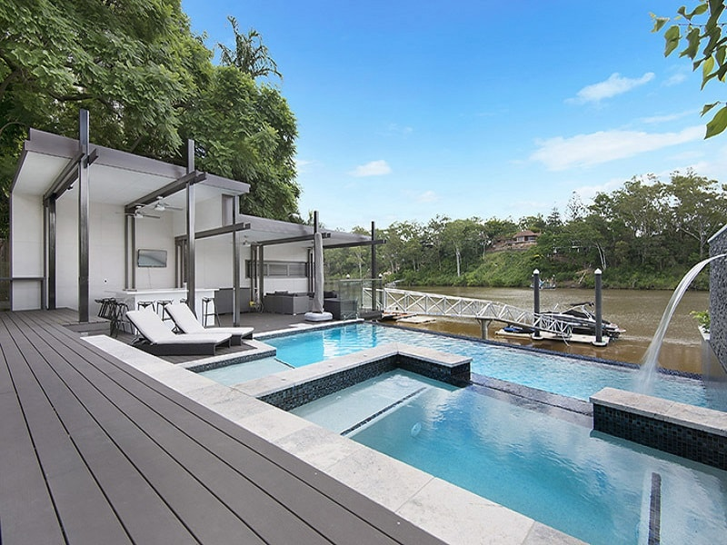 Infinity edge pool and spa next to Brisbane River