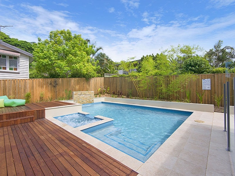 Plunge pool and garden surrounds by Cityscapes