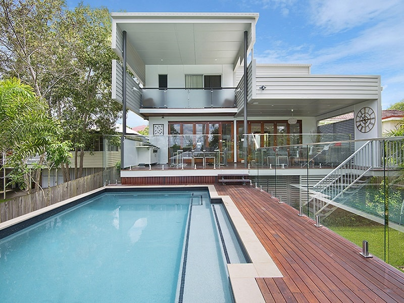 Suspended pool and outdoor space in Brisbane