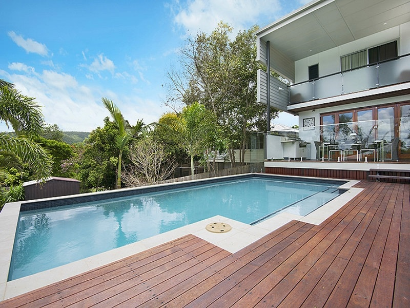 Suspended pool and house in Ashgrove