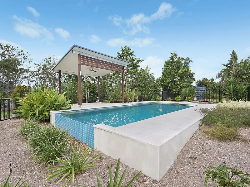 Infinity edge concrete pool