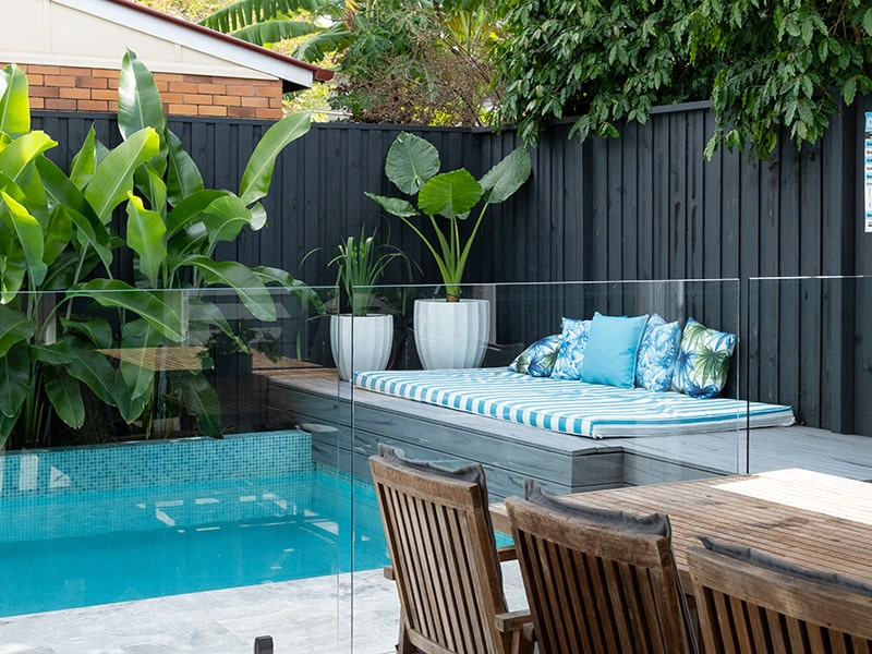 swimming pool builder stafford